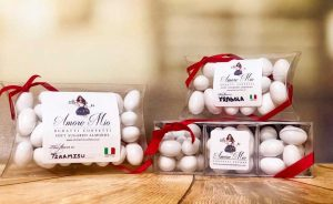 Small Packaging - Amore Mio Confetti and Accessories